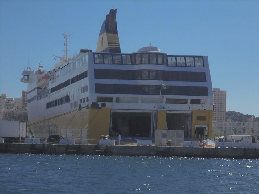 [Les Ports Militaires de Métropole] Visite de la rade de Toulon - Page 14 511010DSC03772