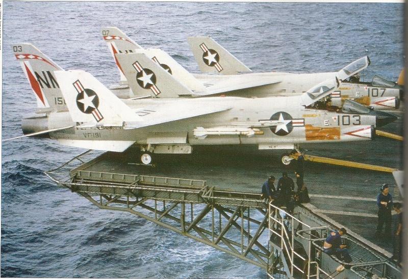 VOUGHT F-8 CRUSADER  513665VoughtF8ECrusaderVF191USSBonHommeRichardCVA31