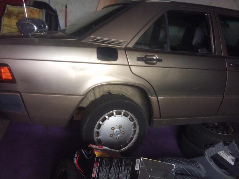 Mercedes 190 1.8 BVA, mon nouveau dailly - Page 5 513710DSC2323
