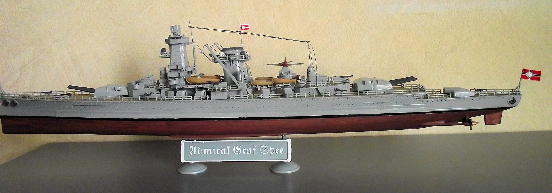 Admiral Graf Spee 1/350 Academy  516456MaquetteGrafSpee1x3509
