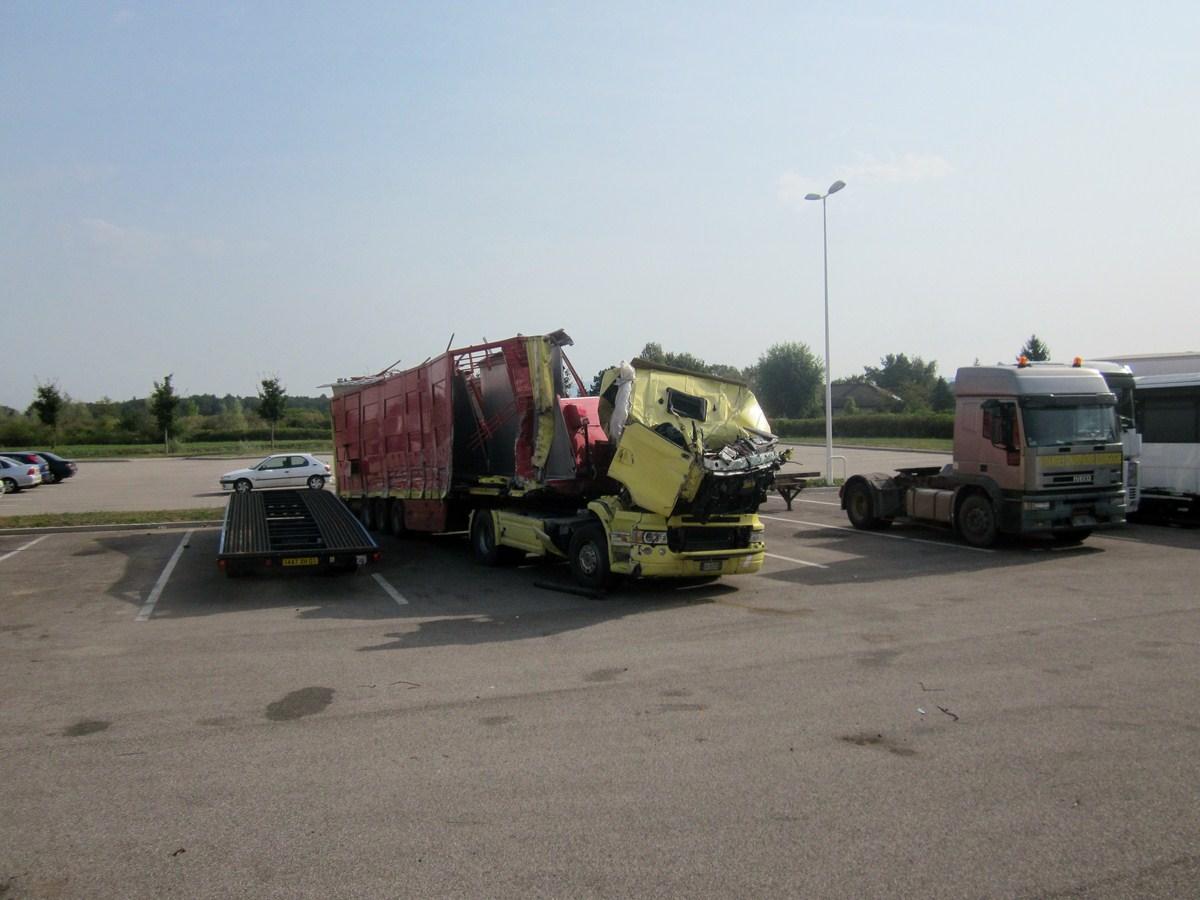 Camions en épave 516613photoscamions22VIII1222Copier