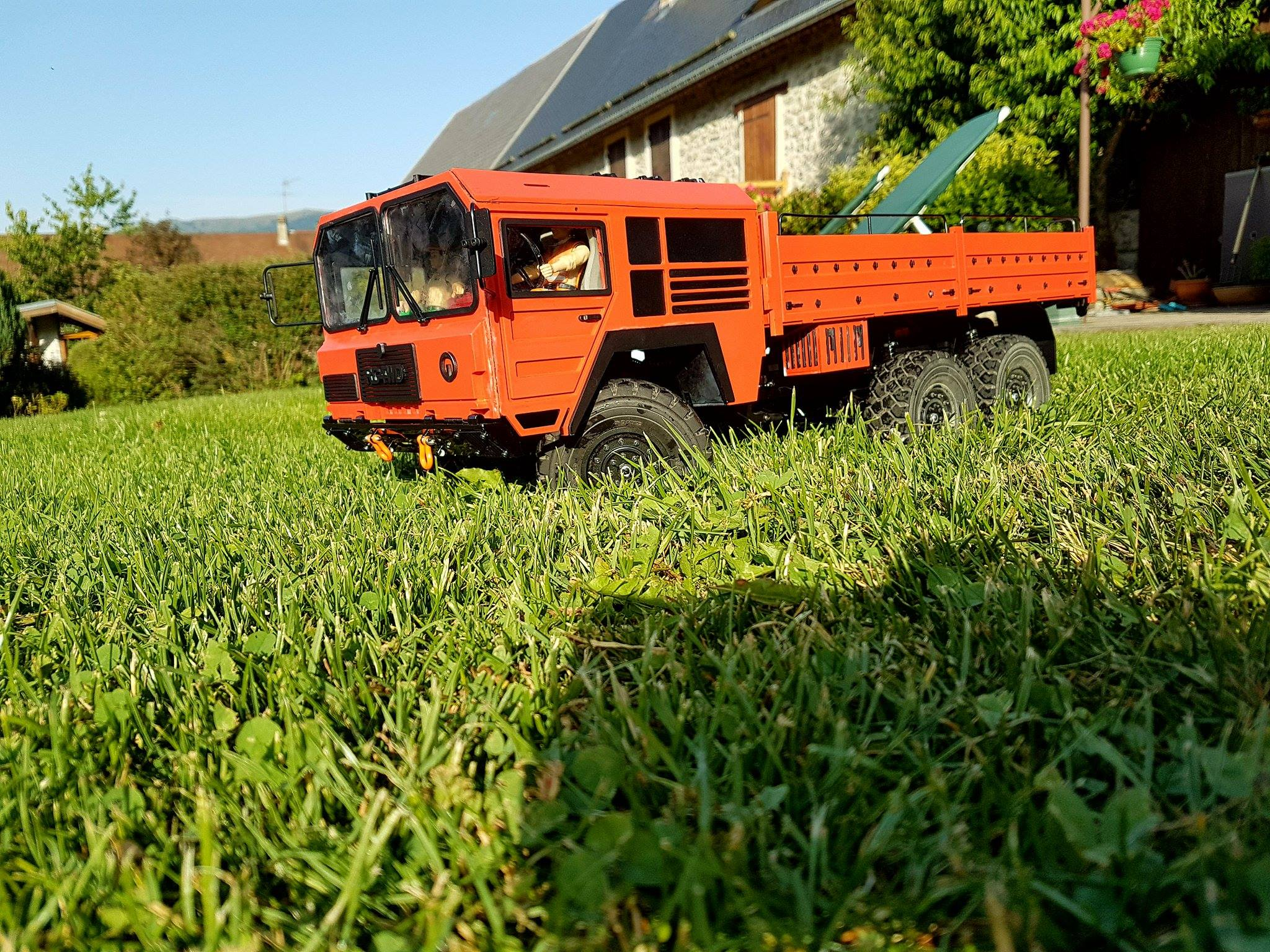 Beast II 6x6 Z-K0052 RC4WD : je me lance !  5166462018738313317080902810642024506847o