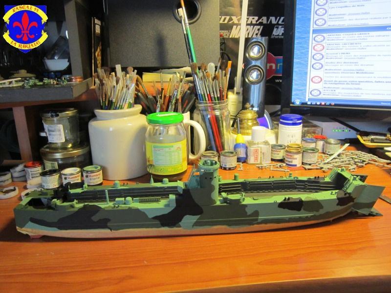 U.S. Navy Landing Ship Médium (Early) au 1/144 de Revell par Pascal 94 - Page 8 520095IMG42521