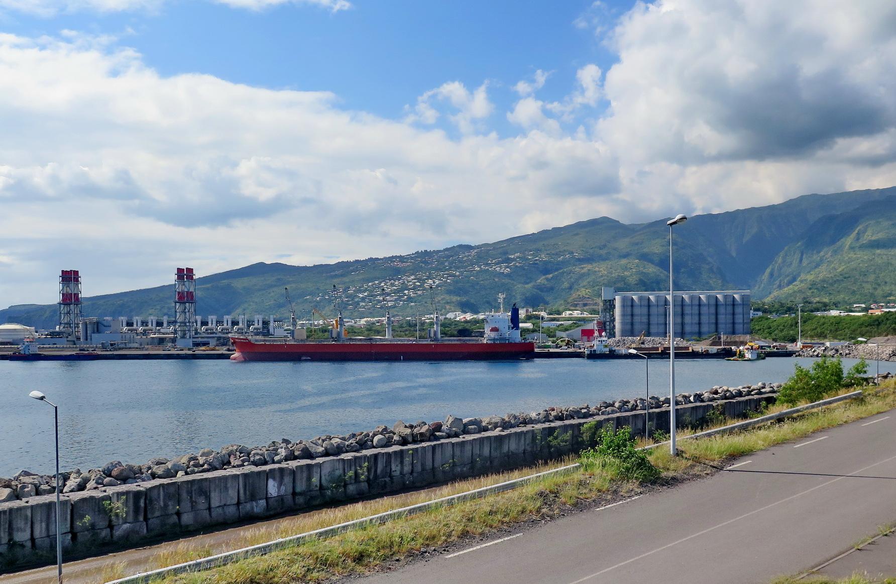 [Vie des ports] Les ports de la Réunion - Page 9 522574leportest172