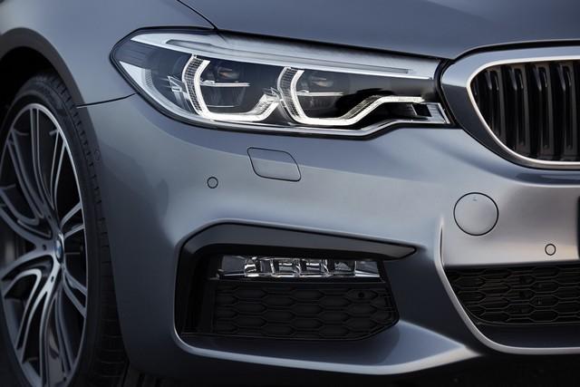 La nouvelle BMW Série 5 Berline. Plus légère, plus dynamique, plus sobre et entièrement interconnectée 522717P90237207highResthenewbmw5series