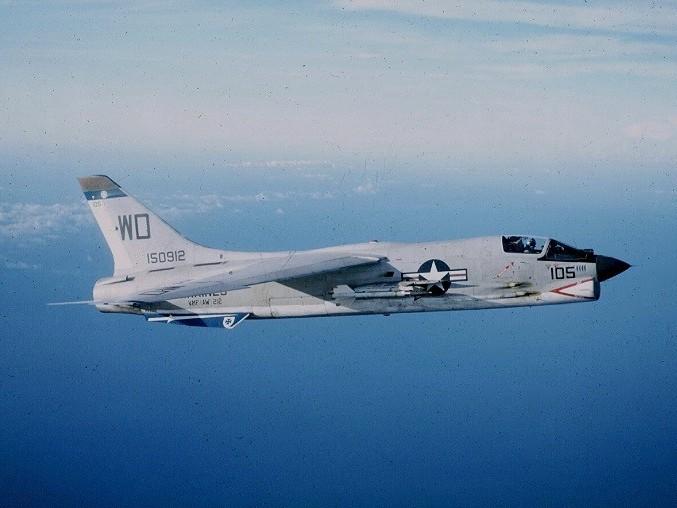 VOUGHT F-8 CRUSADER  524565VoughtF8ECrusaderVMF212CVA341965