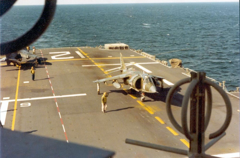 LANDING PLATFORM HELICOPTER (LPH) CLASSE IWO JIMA 527373USSInchonLPH121975