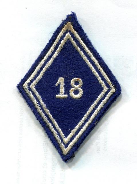 Deux soutaches à l'insigne régimentaire du 1er RCP 528332TISSU7001