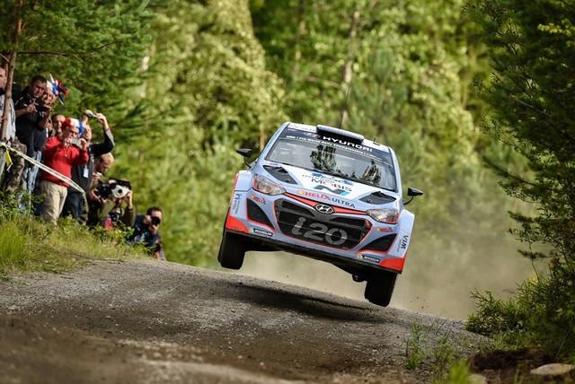 Mission accomplie pour Hyundai Motorsport qui se classe quatrième en Finlande  528885143369Neuville08FIN15cm389