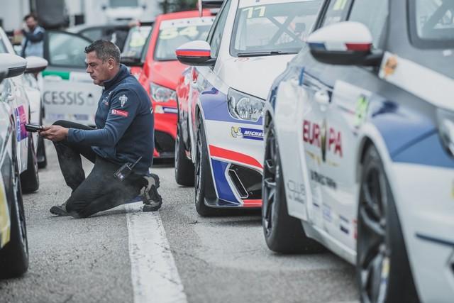 RDV International Pour La Peugeot 308 Racing Cup, Aux 24h De Spa En Belgique 52923559774c531a0a3zoom