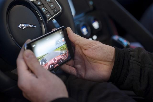 Lancement De La Nouvelle Jaguar F-TYPE Dotée De La Technologie GOPRO En Première Mondiale 529958jaguarftype18myrerunapp10011707