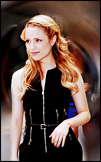 Dianna Agron avatars 200x320 pixels - Page 2 530533avadianna35