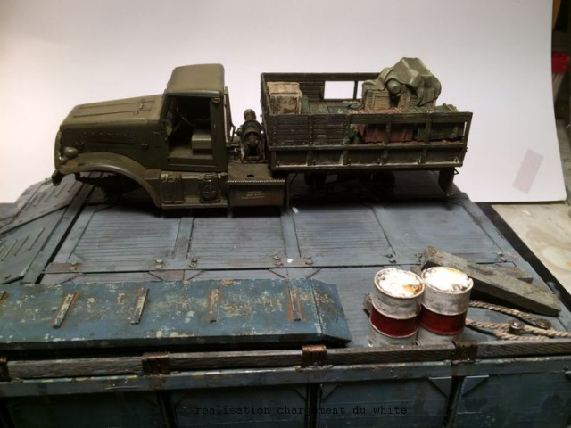 us white 666 cargo truck au 1/35 en Normandie hobby boss - Page 3 531158caisse001