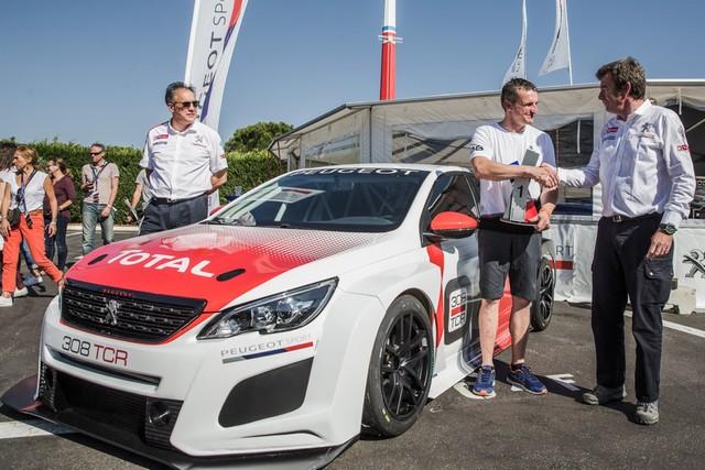 La 1ère Saison De La 308 Racing Cup Tient Ses Promesses !  53259259e3663967e09zoom