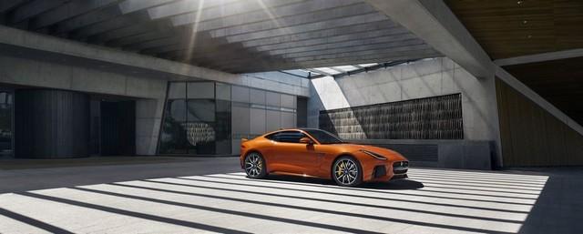 Nouvelle Jaguar F-TYPE SVR : La Supercar Capable D'atteindre 322 km/h Par Tous Les Temps 532741JAGUARFTYPESVR02COUPELocationLowRes