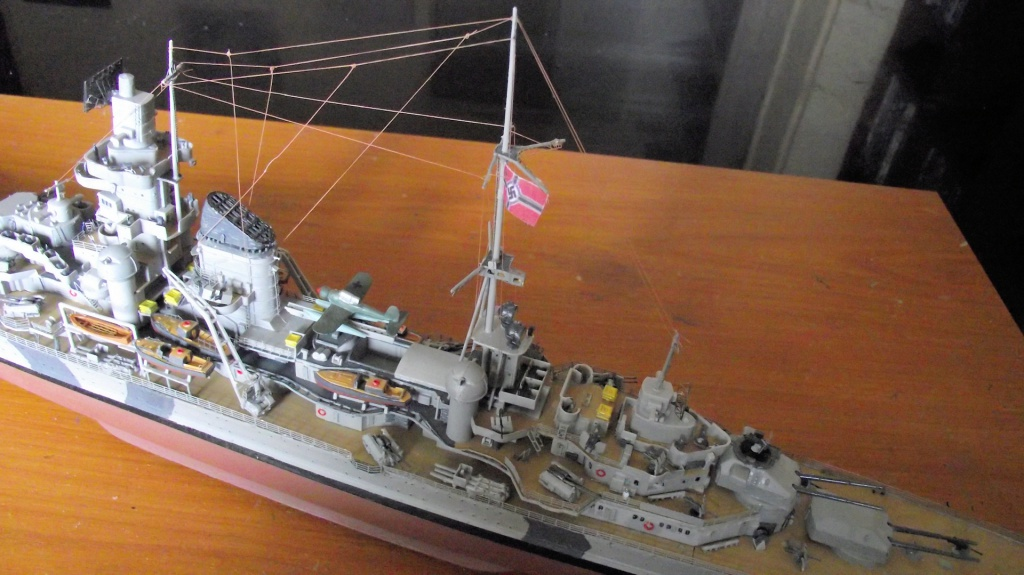 Prinz Eugen Trumpeter au 1x350 avec PE 535359PrinzEugen1x35054