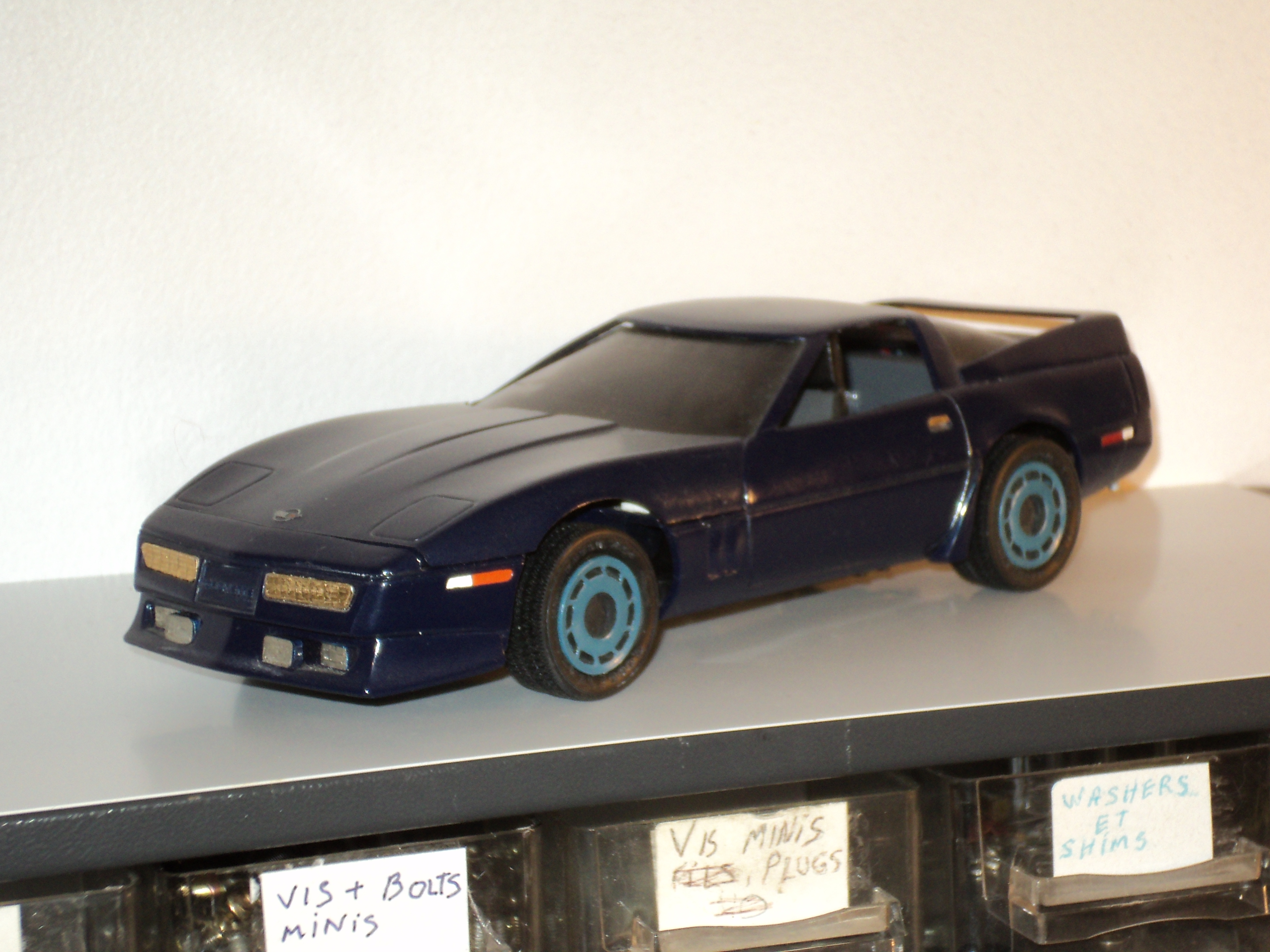 Une vieille Corvette 1985 5367361985Corvette1
