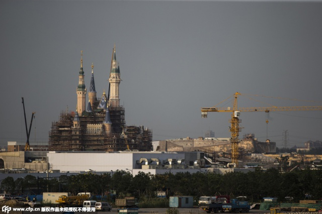 [Shanghai Disneyland] The Enchanted Storybook Castle (2016) - Page 9 536990w32