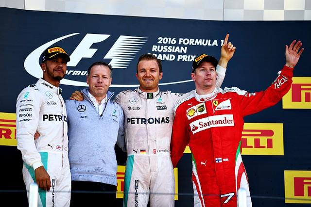 F1 GP de Russie 2016 : Victoire de Nico Rosberg 5371142016gpderussieHamiltonRosbergRaikkonen