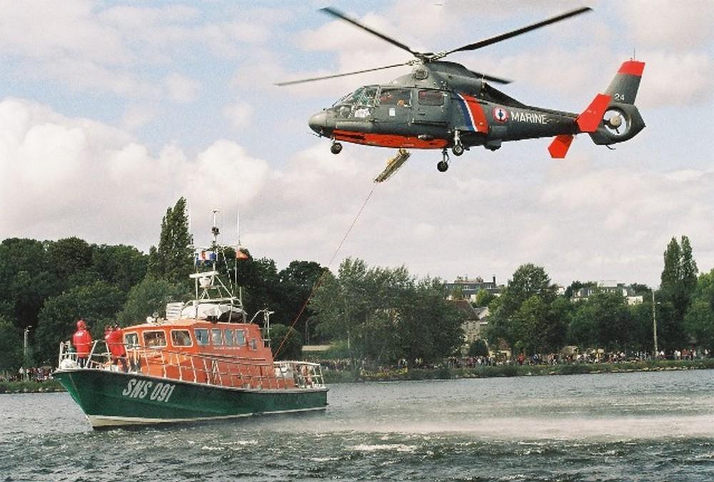 [ Aéronavale divers ] Hélicoptère DAUPHIN - Page 3 53736700001210