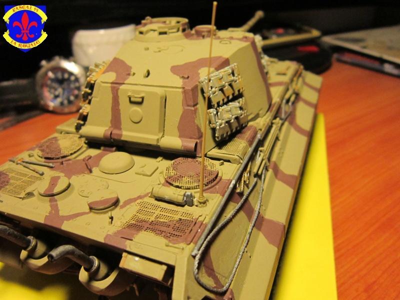 Sd.Kfz.182 King Tiger à tourelle Henschel de Dragon au 1/35e par pascal 94 538623IMG1255L