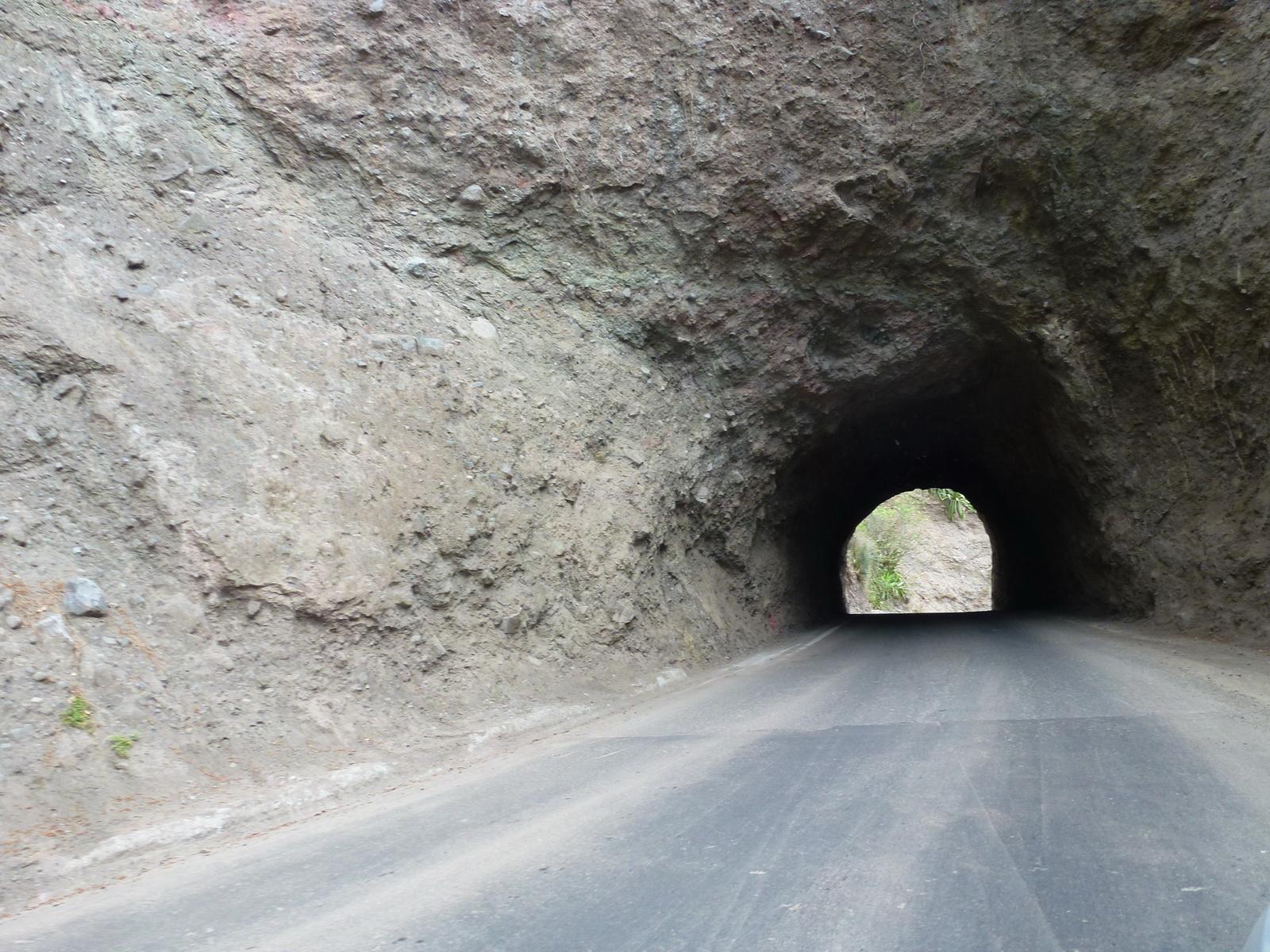 LA RÉUNION : la route de Cilaos, dite route aux 400 virages 538892P1030341