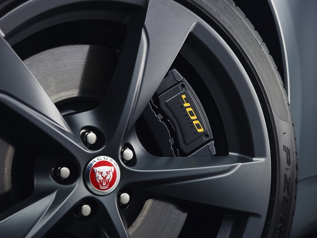Lancement De La Nouvelle Jaguar F-TYPE Dotée De La Technologie GOPRO En Première Mondiale 540861jaguarftype18my400sstudioexteriordetail10011702