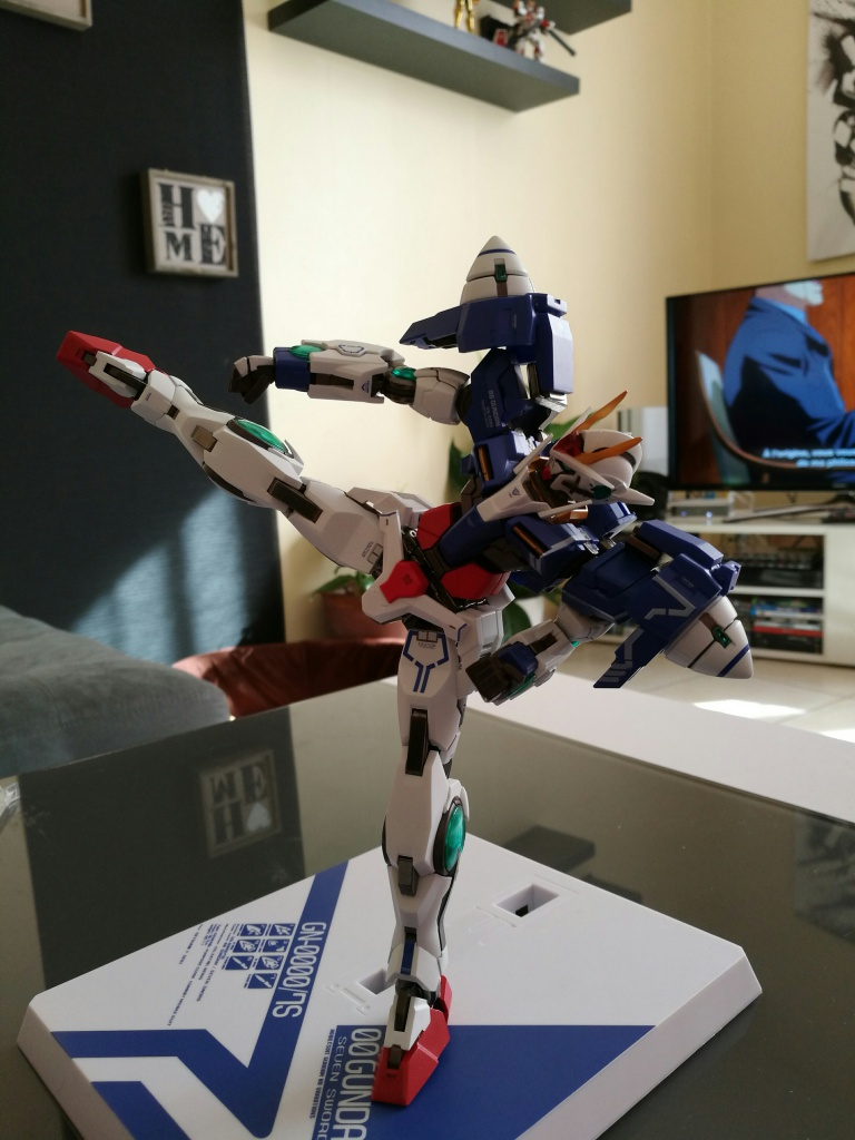 [REVIEW] Gundam 00 Seven Sword Metal Build MC Club..entre larmes,decadence et F5. 541392IMG201610271321151
