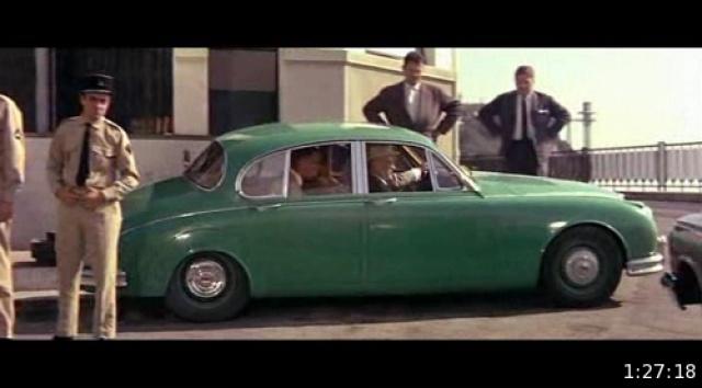 Jaguar MKII Saloon de Léopold Saroyan dans le Corniaud 541707cnvp000815