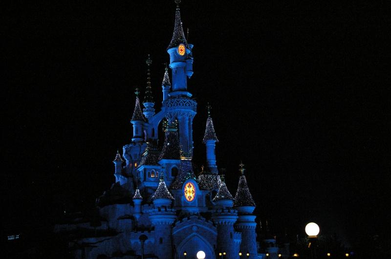 Vos photos nocturnes de Disneyland Paris - Page 6 542731IMGP5370