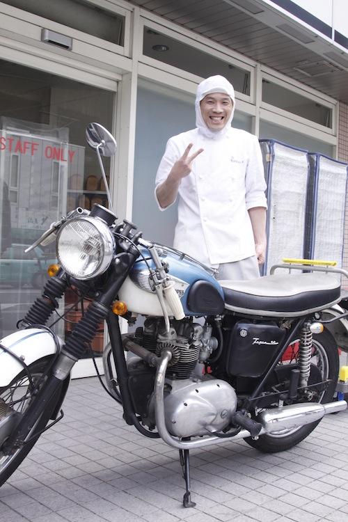 Triump Cafe Racer à Kyoto 544254MG5120