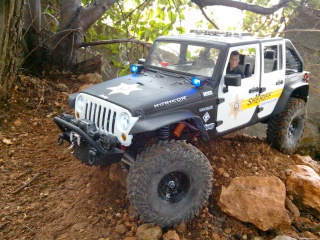 AXIAL SCX10 Jeep JK SHERIFF !! 544625IMG20130404145720