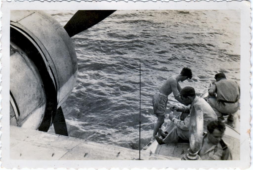 [ Aéronavale divers ] [ 1945-1950 L'histoire des grands oiseaux blancs à tête de loup noir en Indochine 54893119478F5Cantho2