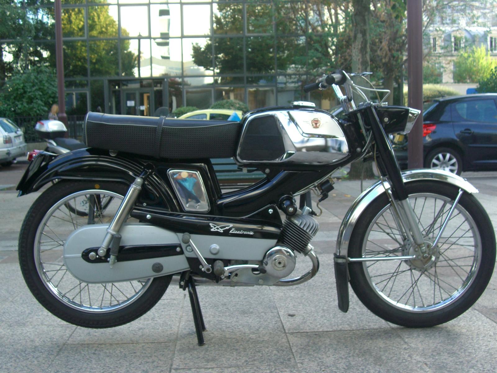 Et hop un D75 état collection neuf d'origine de 1970 555920D752