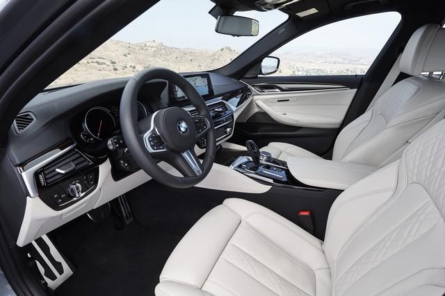 La nouvelle BMW Série 5 Berline. Plus légère, plus dynamique, plus sobre et entièrement interconnectée 556047P90237275highResthenewbmw5series