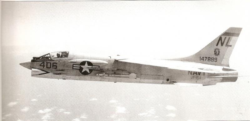 VOUGHT F-8 CRUSADER  557264VoughtF8DCrusaderVF154USSCoralSeadcembre1964