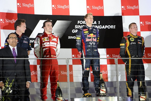 F1 GP de Singapour 2013 : Victoire de Sebastian Vettel 5578912013GPdesingapourAlonsoVettelRaikkonen2