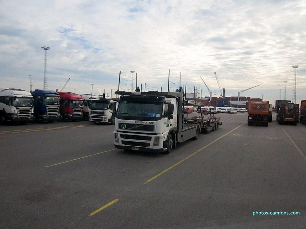 Macotruck (Zeebrugge) 558352photoscamions10X201211Copier