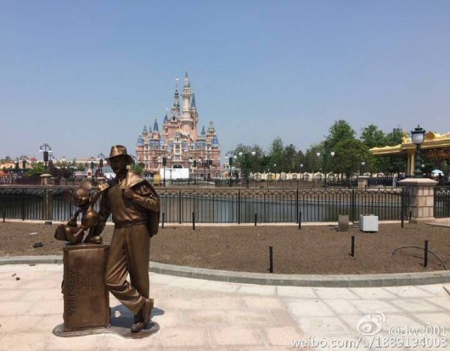 [Shanghai Disneyland] The Enchanted Storybook Castle (2016) - Page 10 559791w105