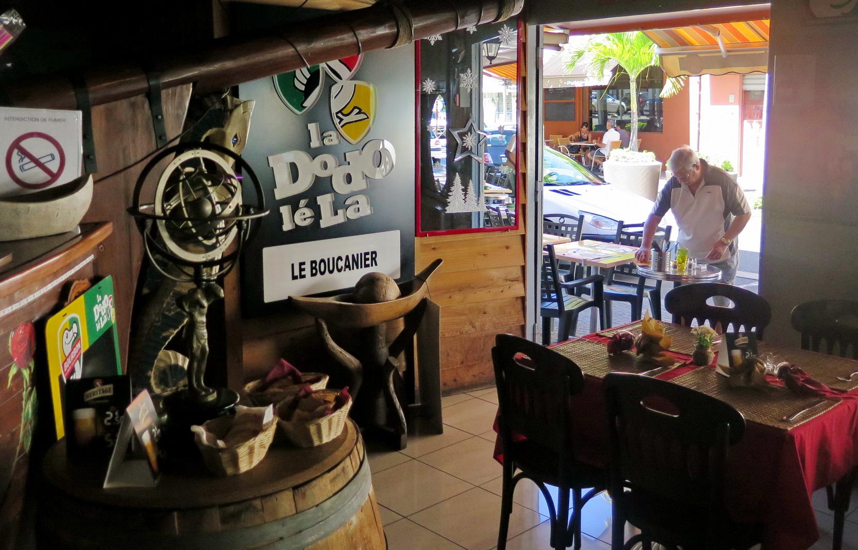 [Vie des ports] Les ports de la Réunion - Page 9 559820floral285
