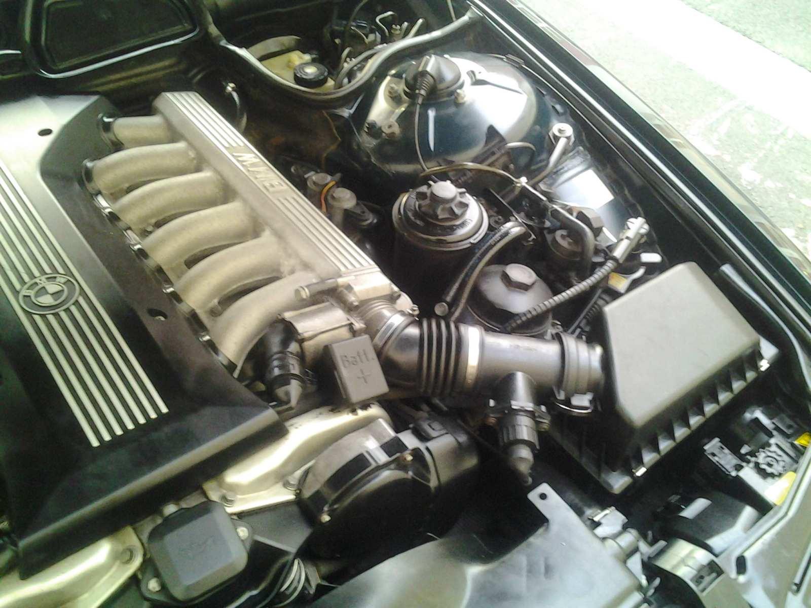 Photos du moteur V12 de la belle nettoyé 55994420130410074339