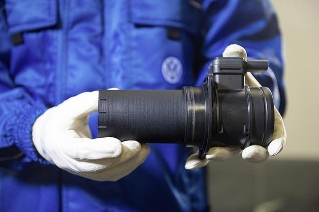 Les mesures techniques des moteurs diesel EA 189 concernés présentées à l'Autorité Fédérale Allemande des Transports (KBA) 562470md16tdiengineea189flowstraightenerinstallationimage4of6