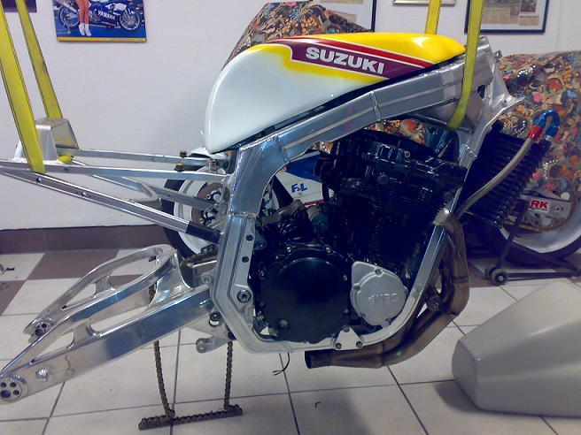 GSXR 750 Harris/TT F1 1986 565516sida