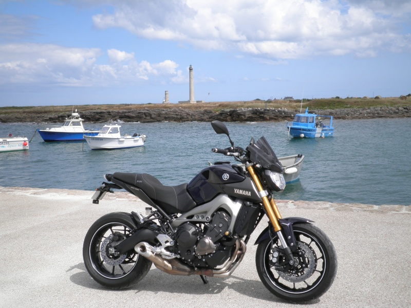 Photos de toutes les Yamaha MT-09 du forum ! :) - Page 25 566575YFifou