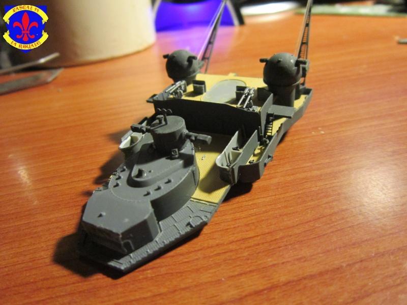 Croiseur de bataille Scharnhorst  au 1/350 de dragon - Page 5 568567IMG1310L