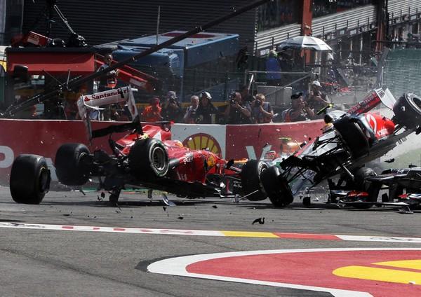 F1 GP de Belgique 2012 : Victoire Jenson Button 568713Grosjeanalimintroispilotes2