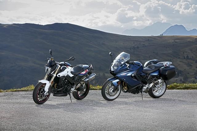BMW Motorrad revoit la F 800 R et la F 800 GT. Plaisir du pilotage sportif et grand tourisme dynamique sous une forme affûtée 570054P90241428highResbmwf800randbmw