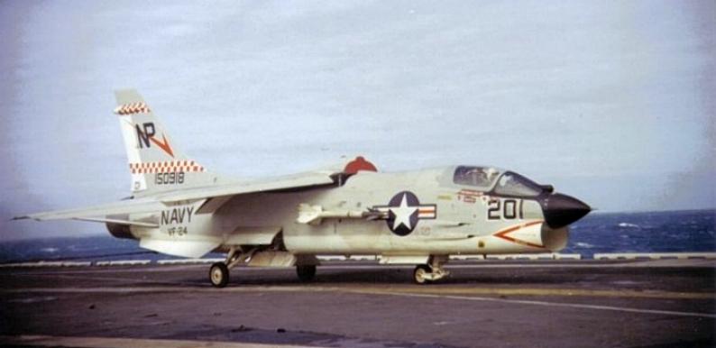 VOUGHT F-8 CRUSADER  574283VoughtF8JCrusaderVF24USSHancockCVA19GolfeduTonkin