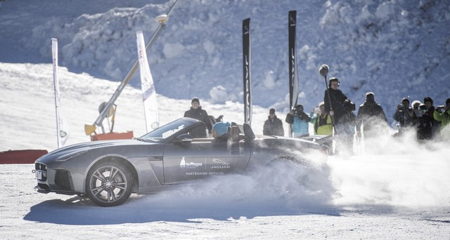 Romain Grosjean Inaugure La « Jaguar Fun Zone » A La Plagne Au Volant De La Jaguar F-Type SVR 574312drift2s