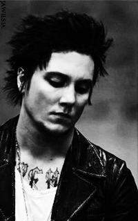 Synyster Gates - 200*320 574348SynysterGates1